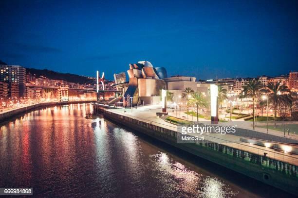 Bilbao por la noche
