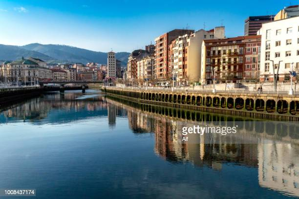 bilbao town bridge, vizcaya,spain - bilbao stockfoto's en -beelden