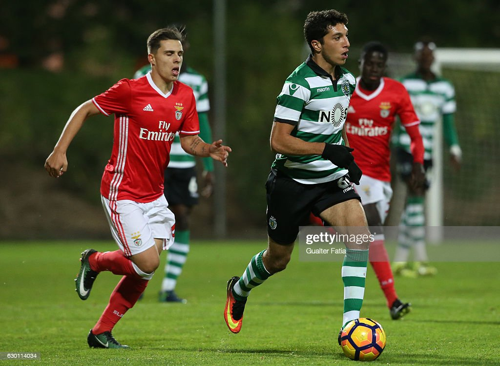 Bilel Aouacheria of Sporting CP B in action during the Segunda Liga match between SL Benfica B and Sporting CP B at Caixa Futebol Campus on December 16, 2016 in Seixal, Portugal.