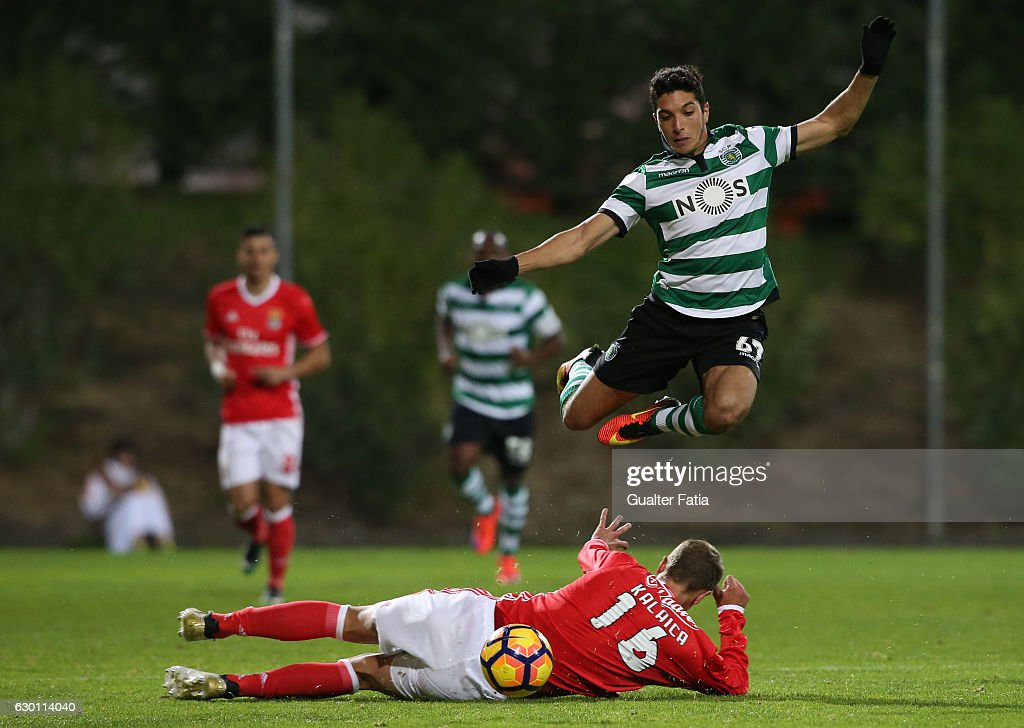Bilel Aouacheria of Sporting CP B with Branimir Kalaica of SL Benfica B in action during the Segunda Liga match between SL Benfica B and Sporting CP B at Caixa Futebol Campus on December 16, 2016 in Seixal, Portugal.