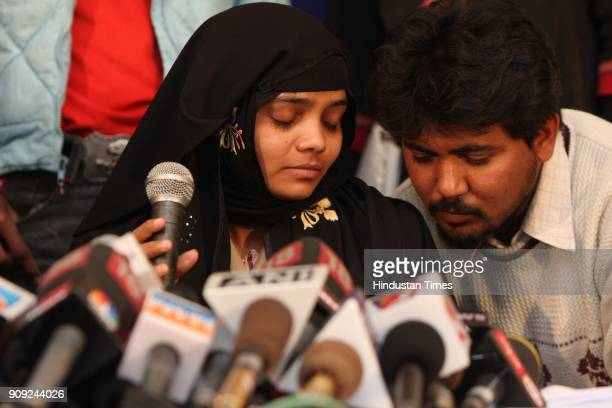 Bilkis Bano a gangrape survivor from the 2002 Gujarat riots with her husband adressing media at Press Club of India in New Delhi