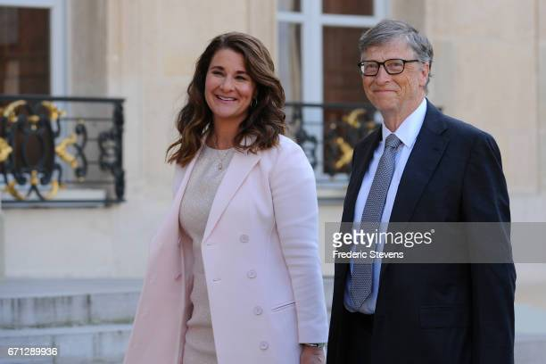 Bill and Melinda Gates arrive at the Elysee Palace before receiving the award of Commander of the Legion of Honor by French President Francois...