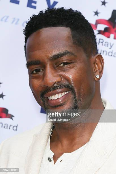 Bill Bellamy arrives at the 7th Annual Big Fighters Big Cause Charity Boxing Night Benefiting The Sugar Ray Leonard Foundation at The Ray Dolby...