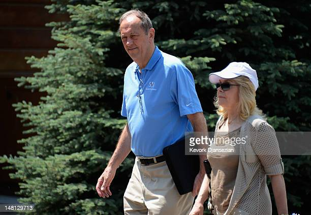 Bill Bradley hall of fame basketball player and former threeterm Democratic US Senator arrives for the Allen Company Sun Valley Conference on July 10...