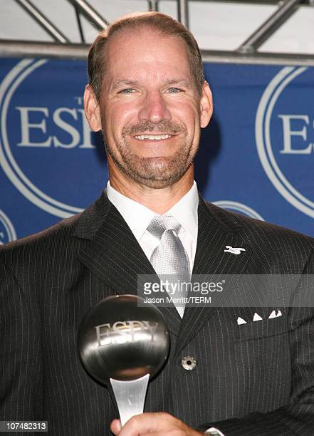 Bill Cowher coach of the Pittsburgh Steelers winner of Best Coach/Manager