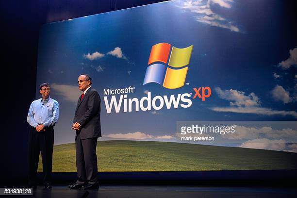 Bill Gates and New York City mayor Rudy Giuliani at the launch of Microsoft's Windows XP operating system