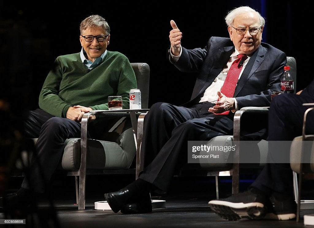 Bill Gates And Warren Buffett Speak At Columbia University : Nieuwsfoto's