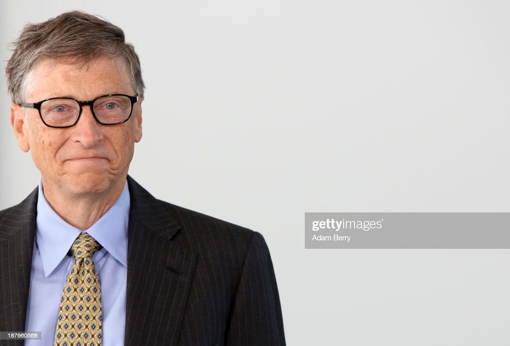 Merkel Meets With Bill Gates : Fotografía de noticias