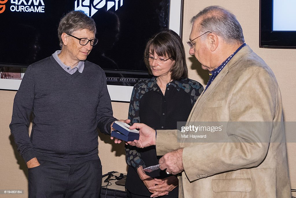 Bill Gates Joins The USA Team To Play At The Yeh Online Bridge World Cup : Foto di attualità
