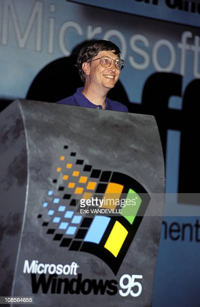 Bill Gates presents Windows 95 in Madrid Spain on September 05th 1995