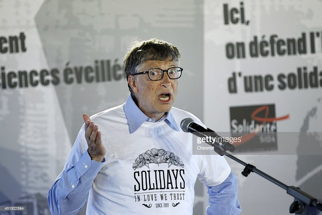 Bill Gates Opens The Annual Paris Solidays Festival,  3-day Music Festival To fight AIDS : News Photo