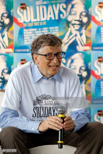 Bill Gates the coFounder of the Microsoft company and coFounder of the Bill and Melinda Gates Foundation delivers a speech during a press conference...