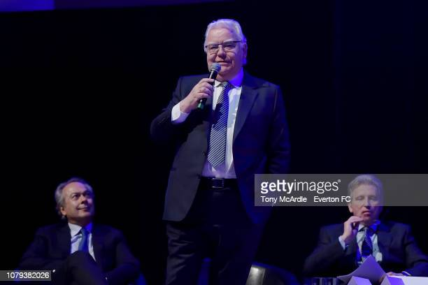 Bill Kenwright speaks during the Everton General Meeting at the Royal Liverpool Philharmonic Hall on January 8, 2019 in Liverpool, England.