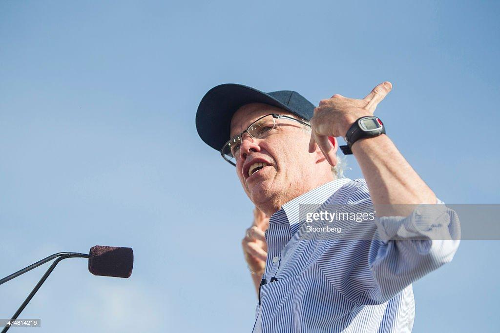 Senator Bernie Sanders Kicks Off Presidential Campaign : News Photo