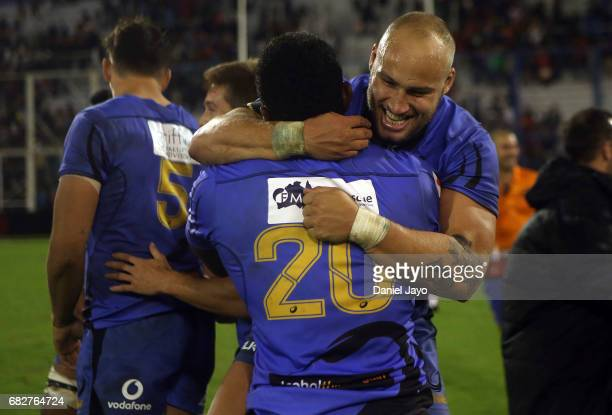 Bill Meakes of Force celebrates with Brynard Stander of Force after the match between Jaguares v Force as part of Super Rugby Rd 12 at Jose...