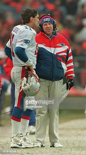 Bill Parcells gives Drew Bledsoe an earful on the sidelines during Patriots first round playoff loss to the Browns