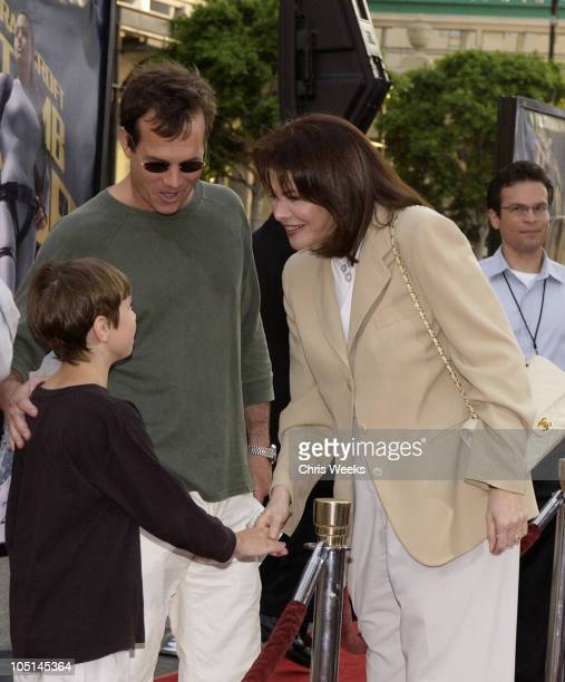 Bill Paxton and Sherry Lansing during Lara Croft Tomb Raider The Cradle of Life World Premiere at Grauman's Chinese Theatre in Hollywood California...