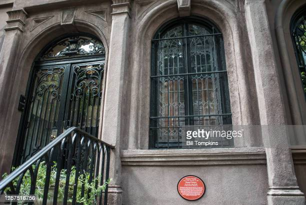 MANDATORY CREDIT Bill Tompkins/Getty Images 113 East 35th street The former townhouse residence of actors Jessica Tandy and Hume Cronyn Photographed...