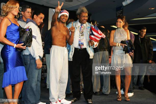 MANDATORY CREDIT Bill Tompkins/Getty Images Boxing promoter Don King announcing the boxing match between Fleix Trinidad and Roy Jones Jur at Madison...