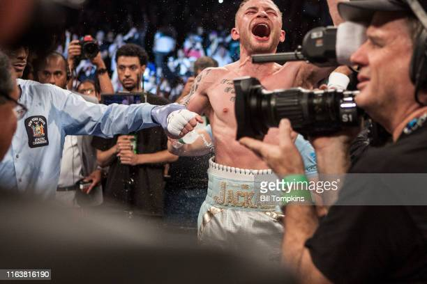 MANDATORY CREDIT Bill Tompkins/Getty Images Carl Frampton defeats Leo Santa Cruz in their Featherweight Cahmpionship fight at the Barclay Center on...