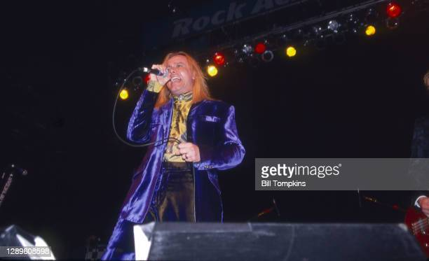 August 28, 1999: MANDATORY CREDIT Bill Tompkins/Getty Images Robin Zander, lead singer of Cheap Trick performing during the band's 25th Anniversary...