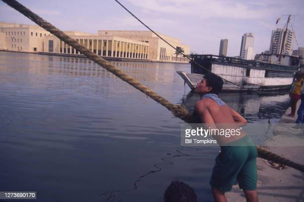 August 2: MANDATORY CREDIT Bill Tompkins/Getty Images Waterfront. August 2nd, 1988 in Manila.