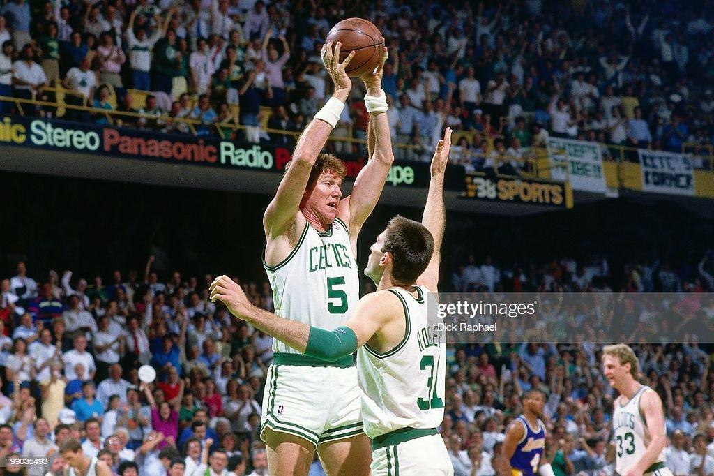 quality design 1a43d d9909 Bill Walton of the Boston Celtics rebounds against the Los ...