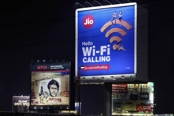 IND: Telecom And Retail Gains Give Boost to Reliance Industries
