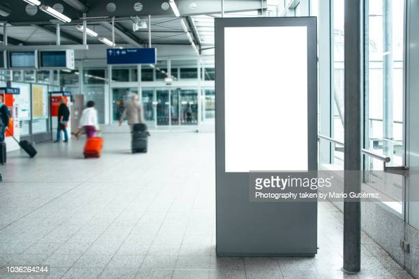 billboard at airport - help:contents stock pictures, royalty-free photos & images