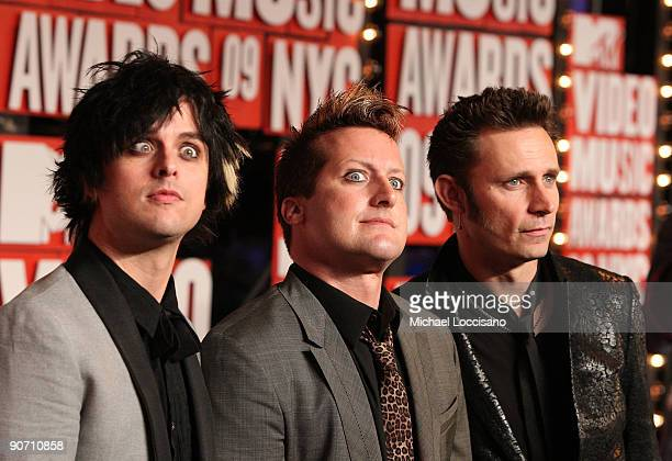 Billie Joe Armstrong Tre Cool and Mike Dirnt of Green Day arrive at the 2009 MTV Video Music Awards at Radio City Music Hall on September 13 2009 in...