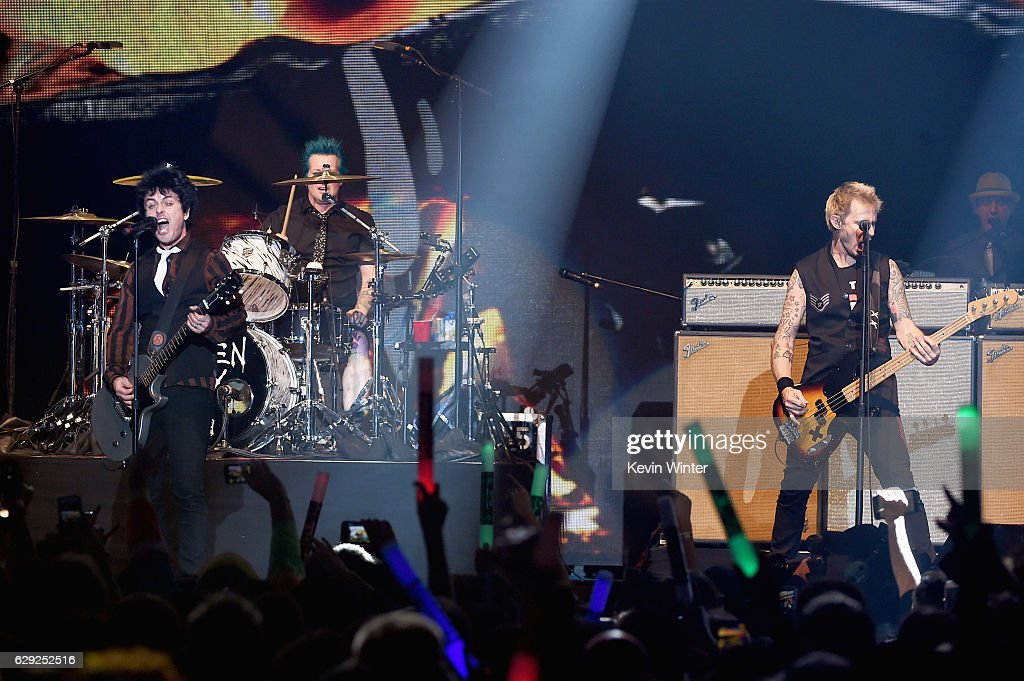 KROQ Almost Acoustic Christmas 2016 - Day 2 : News Photo