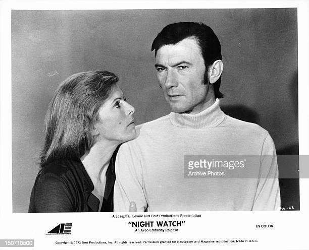 Billie Whitelaw looking up at Laurence Harvey in a scene from the film 'Night Watch', 1973.