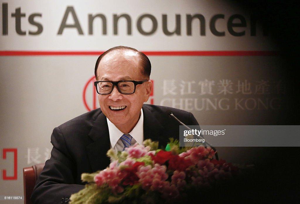 Billionaire Li Ka-shing Attends CK Hutchison Holdings Ltd. Annual Results News Conference