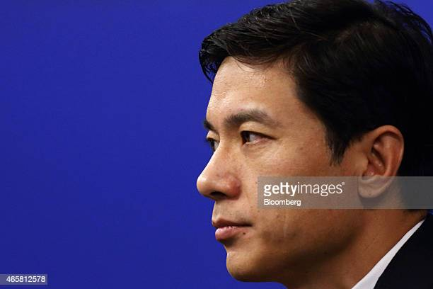 Billionaire Robin Li chief executive officer of Baidu Inc attends a news conference in Beijing China on Wednesday March 11 2015 Baidu may introduce...
