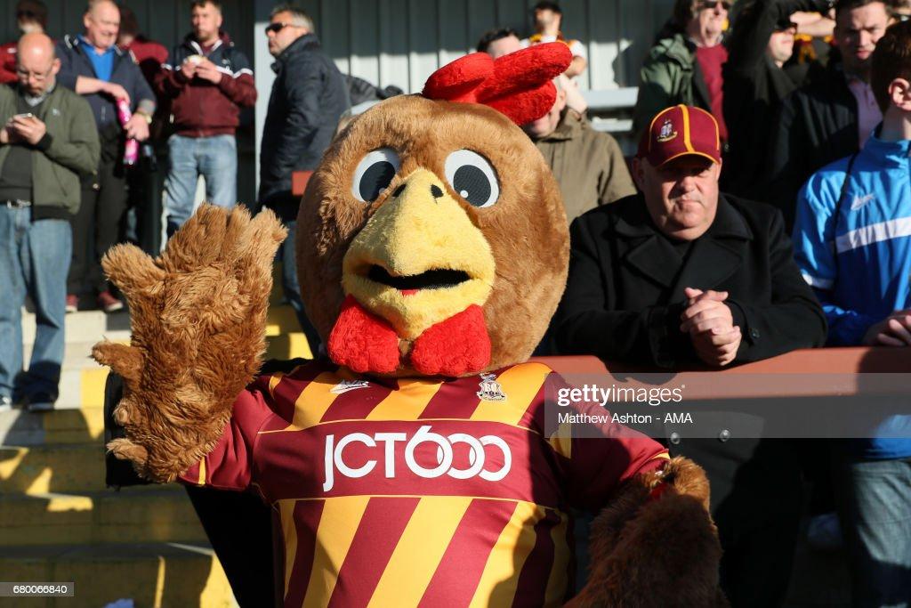 Fleetwood Town v Bradford City - Sky Bet League One Playoff Semi Final: First Leg : News Photo