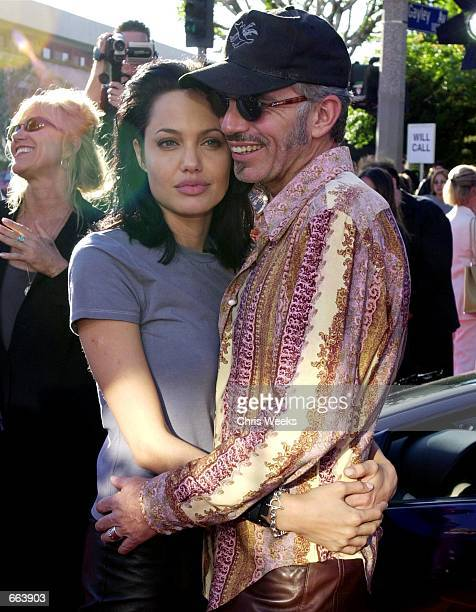 Billy Bob Thornton and Angelina Jolie pose for photographers June 5 2000 at the world premiere of Touchstone Pictures'' Jerry Bruckheimer Films 'Gone...