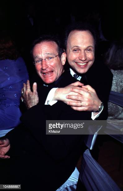Billy Crystal and Robin Williams during The 72nd Annual Academy Awards Governor's Ball in Los Angeles California United States
