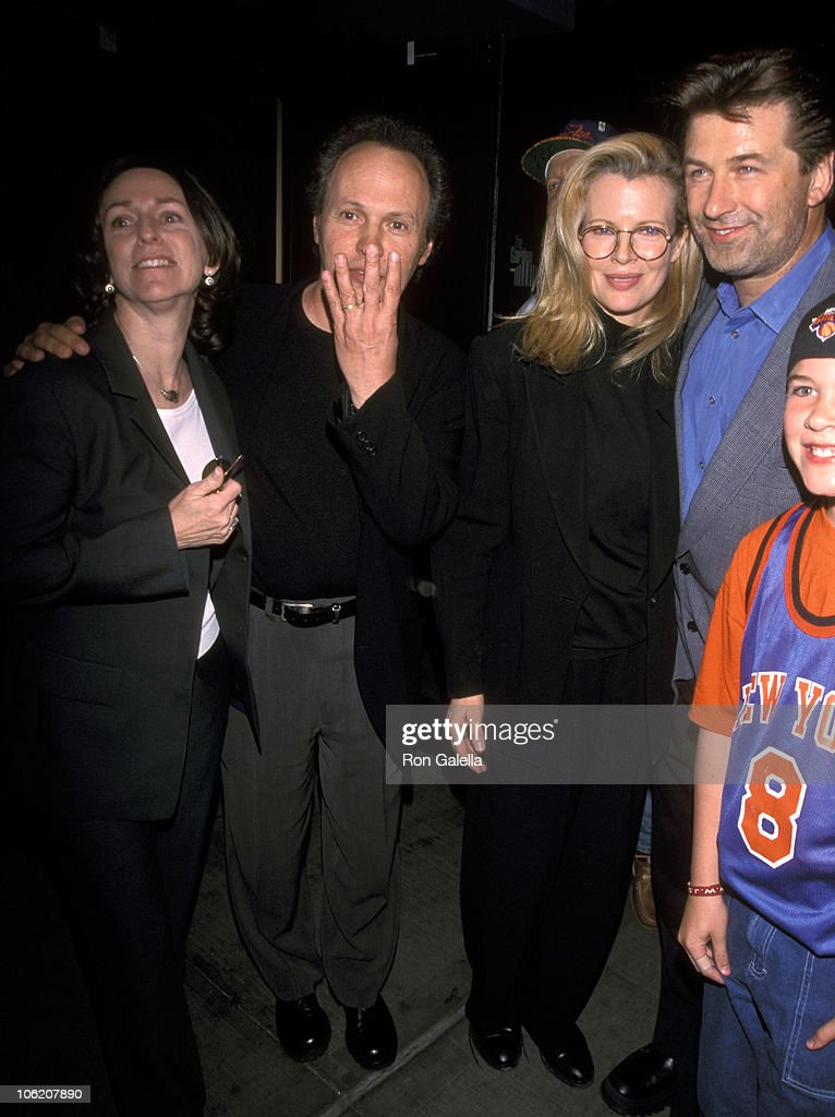 Billy Crystal Sighting at a New York Knicks Basketball Game : News Photo