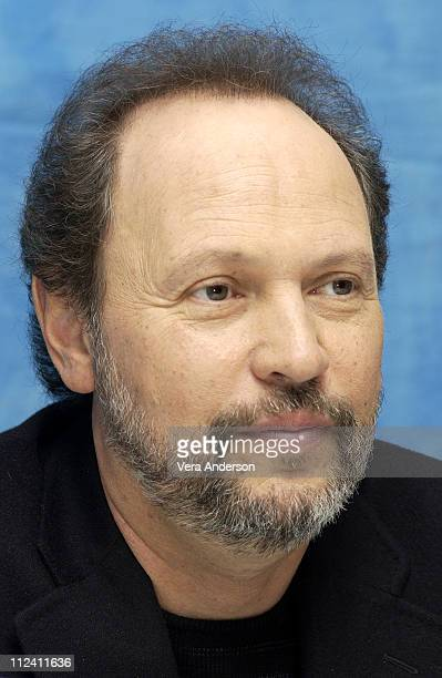 Billy Crystal during 'Analyze That' Press Conference with Robert De Niro Billy Crystal Lisa Kudrow Cathy MoriartyGentile and Harold Ramis at Essex...