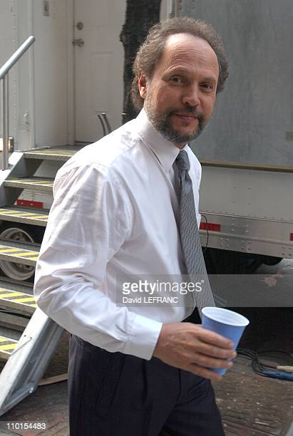 Billy Crystal on location for his new film 'Analyze That' in New York United States on April 09 2002 This film also starring Robert De Niro Lisa...