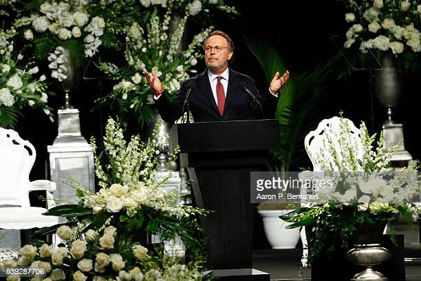 Billy Crystal speaks during a memorial service for boxing legend Muhammad Ali on June 10 2016 at the KFC Yum Center in Louisville Kentucky Ali died...