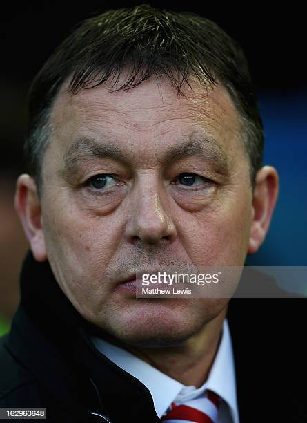 Billy Davies manager of Nottingham Forest looks on during the npower Championship match between Sheffield Wednesday and Nottingham Forest at...