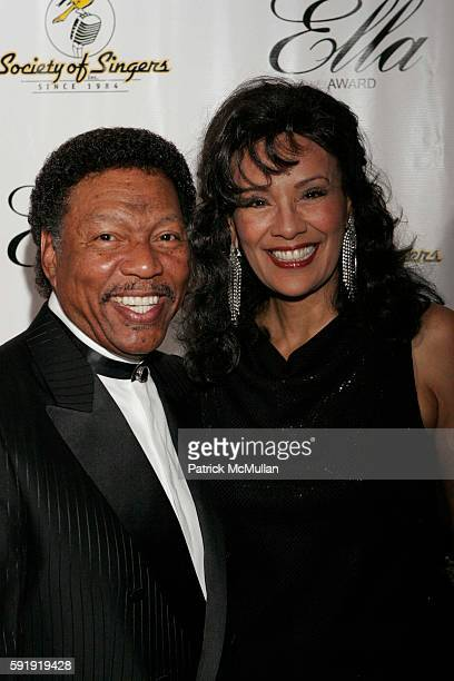 Billy Davis and Marilyn McCoo attend Society of Singers Honors Elton John with 14th Annual 'Ella' Award at Beverly Hilton on October 10 2005 in...