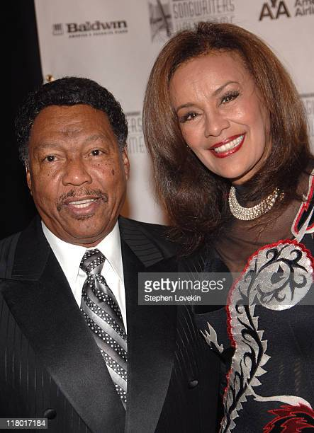 Billy Davis and Marilyn McCoo during 38th Annual Songwriters Hall of Fame Ceremony Arrivals at Marriott Marquis in New York City New York United...