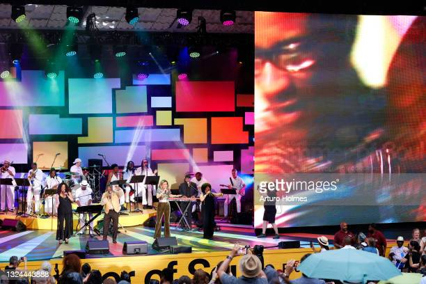 """Billy Davis and Marilyn McCoo perform during Questlove's """"Summer Of Soul"""" Screening & Live Concert at Marcus Garvey Park on June 19, 2021 in New York..."""