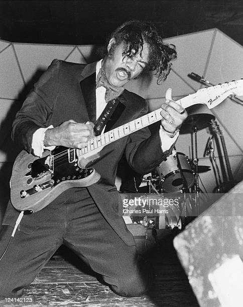 Billy Davis, guitarist with Hank Ballard and the Midnighters performs at The Hammersmith Palais on December 11, 1986 in London, England.