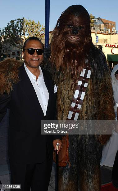 Billy Dee Williams and Chewbacca during Star Wars Episode III Revenge of The Sith Premiere to Benefit Artists for a New South Africa Charity Arrivals...