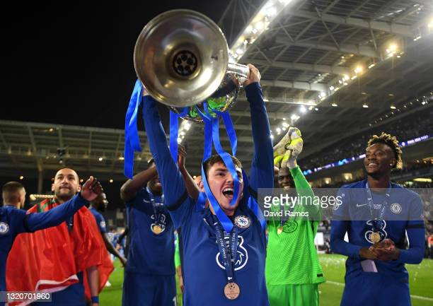Billy Gilmour of Chelsea celebrates with the Champions League Trophy following their team's victory during the UEFA Champions League Final between...