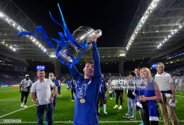 Billy Gilmour of Chelsea celebrates with the Champions League Trophy following their team's victory in the UEFA Champions League Final between...
