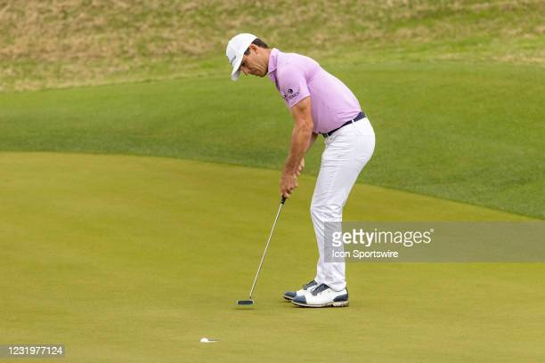 Billy Horschel watchs as his birdie putt falls into the cup on hole 11 during the Round of 16 of the WGC-Dell Technologies Match Play Tournament on...